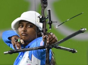 India's Deepika Kumari shoots during the Rio 2016 Olympic Games women's competition at the Sambodromo archery venue in Rio de Janeiro, Brazil, on August 10, 2016. / AFP PHOTO / Jewel SAMAD