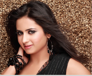 Sargun Mehta Profile Info and Contact details (Phone number, Email, Instagram)
