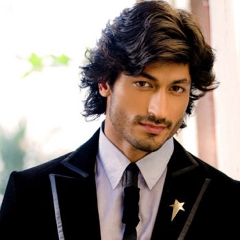Vidyut Jammwal Profile | Contact details (Phone number, Email, Instagram) of Gal Ban Gayi Song Hero