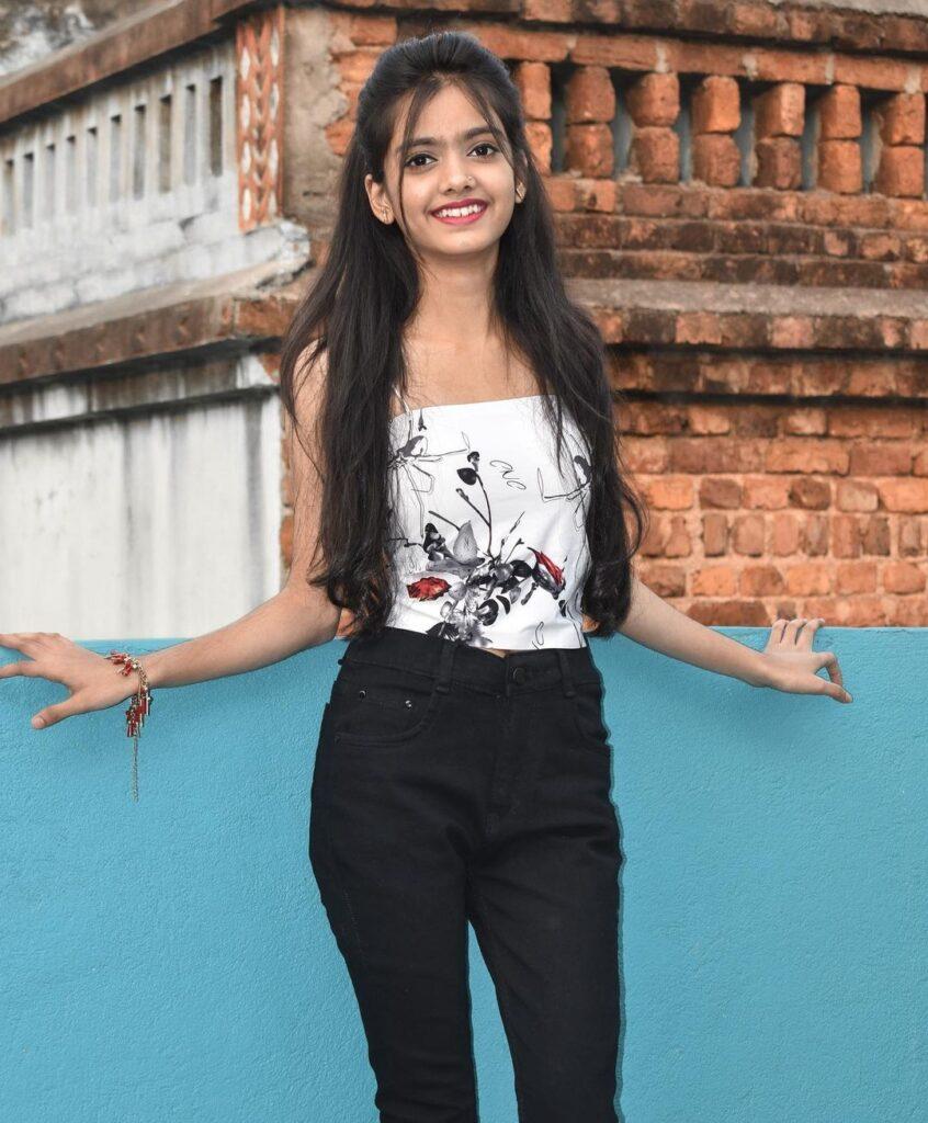 Ayantika Kar Profile| Contact Details (Phone number, Instagram, Facebook, YouTube, Facebook)