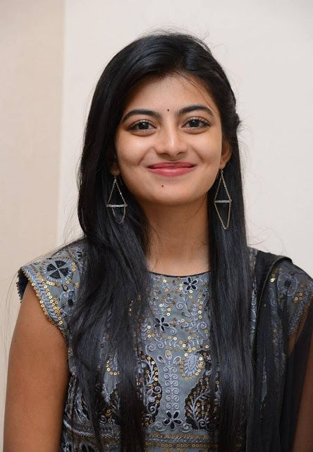 Anandhi Profile| Contact Details (Phone number, Instagram, Twitter, Facebook, Email address)