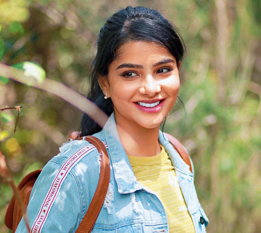 Pavithra Lakshmi Profile  Contact Details (Phone number, Instagram, Twitter, Facebook, TikTok)