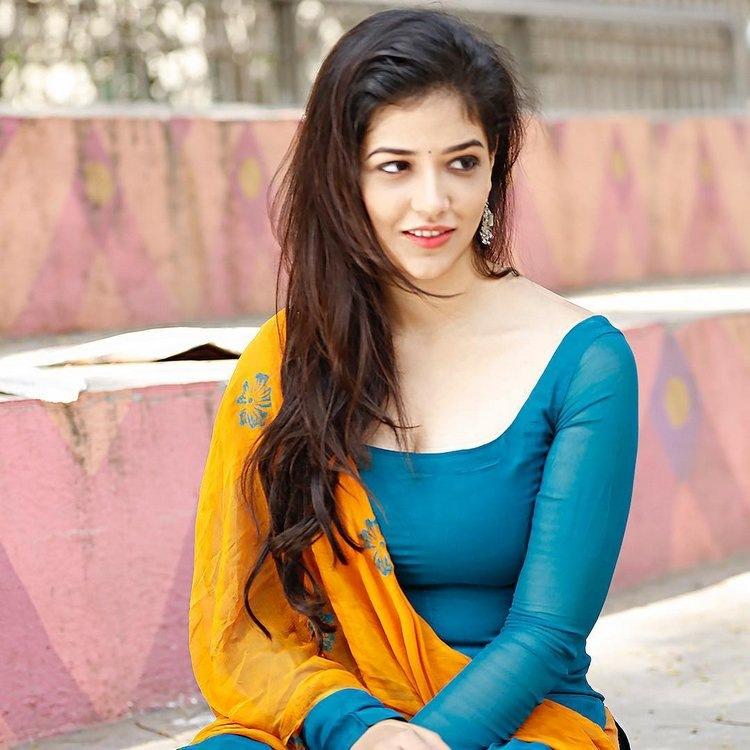 Priyanka Jawalkar Profile  Contact Details (Phone number, Instagram, Twitter, Facebook, Email)