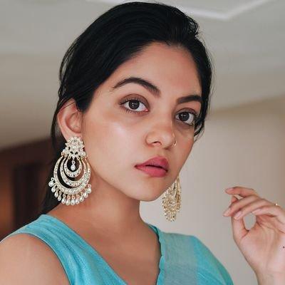 Ahaana Krishna Profile| Contact Details (Phone number, Instagram, Twitter, YouTube, Facebook)