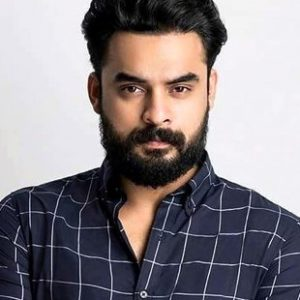Tovino Thomas Profile| Contact Details (Phone number, Instagram, Facebook, Twitter, Email)