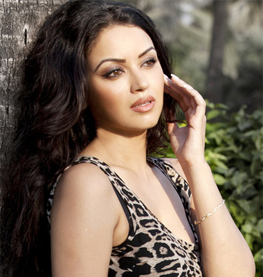 Maryam Zakaria Profile   Contact details (Phone number, Email Id, Website Address Details)