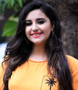 Sanaya Pithawalla Profile| Contact Details (Phone number, Instagram, Twitter, Facebook)