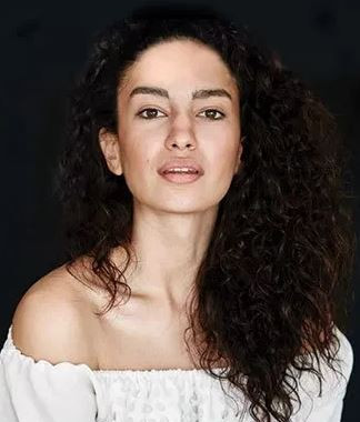 Elena Fernandes  Profile| Contact Details (Phone number, Instagram, Facebook, Twitter)