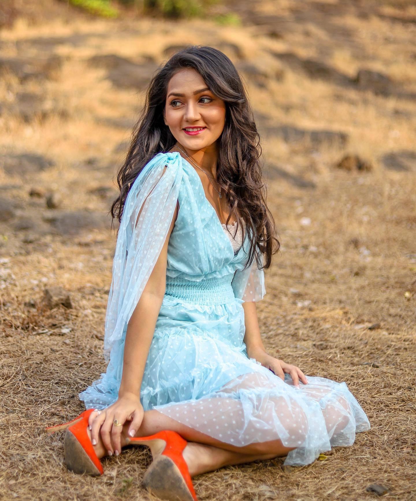 Kritika Sharma Profile  Contact Details (Phone number, Instagram, Twitter, Facebook)
