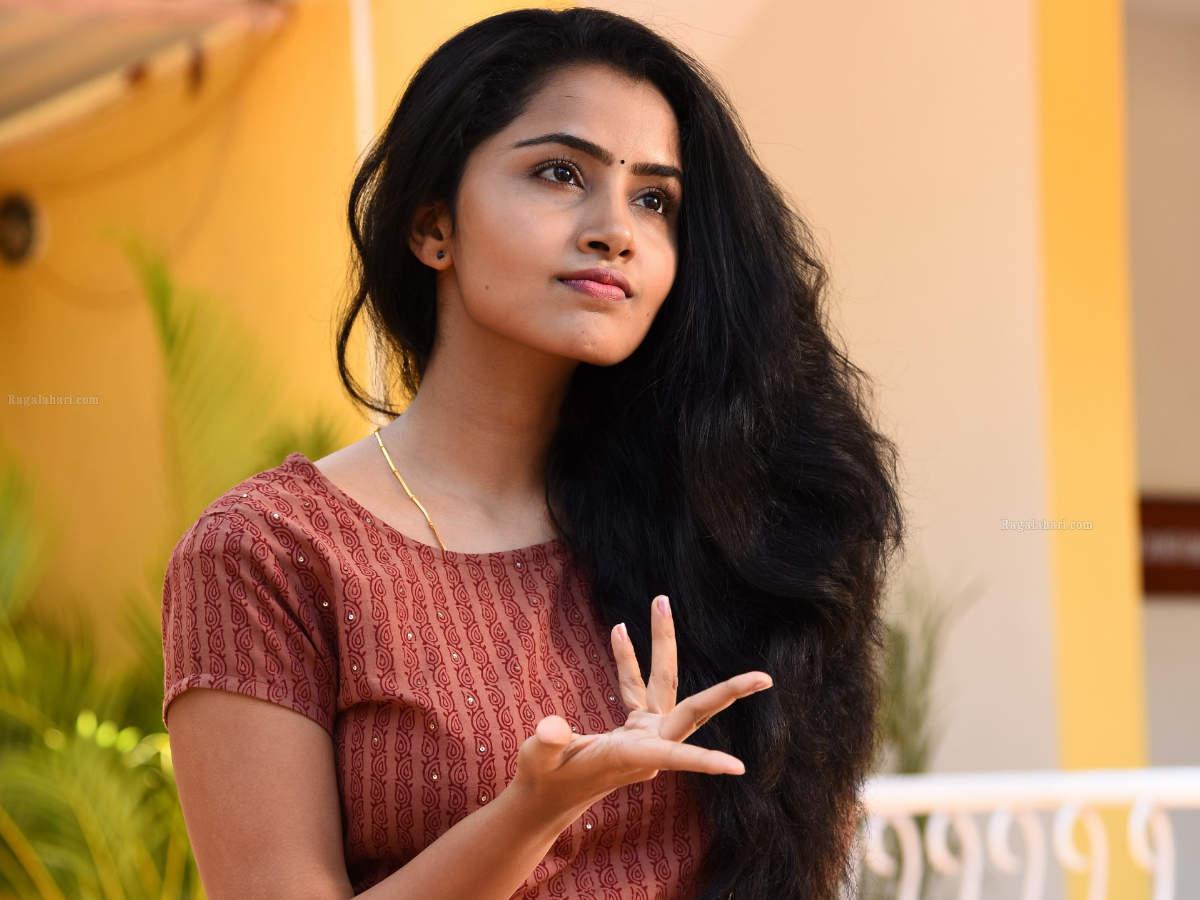 Anupama Parameswaran Profile| Contact Details (Phone number, Instagram, Twitter, YouTube)