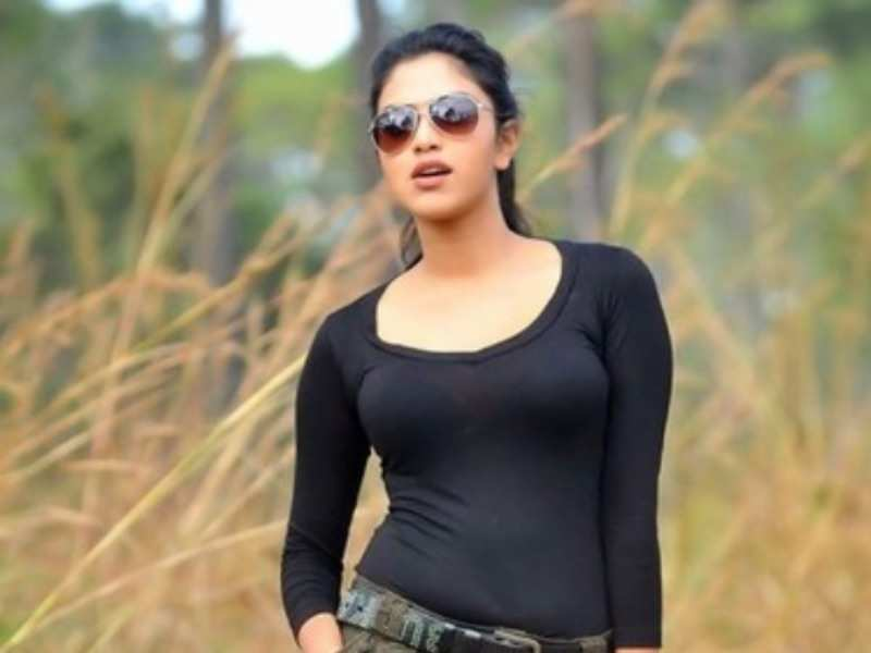Amala Paul Profile| Contact Details (Phone number, Instagram, Twitter, Facebook, Email)
